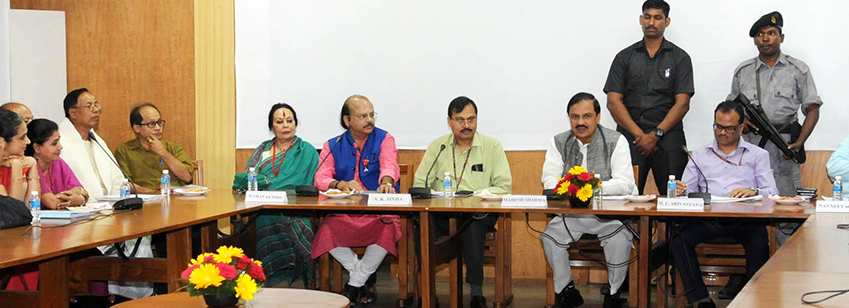 The Minister of State for Culture and Tourism (I/C), Dr. Mahesh Sharma in a meeting with the Padma A...